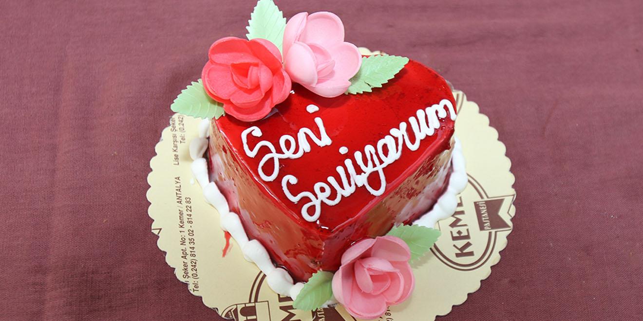 kalp adet pasta